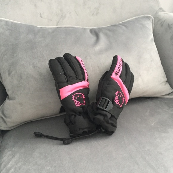 ba284a6ff Hello Kitty Accessories | Child Girls Pink Winter Snow Gloves | Poshmark